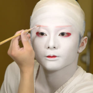 How to dive into the world of Kabuki